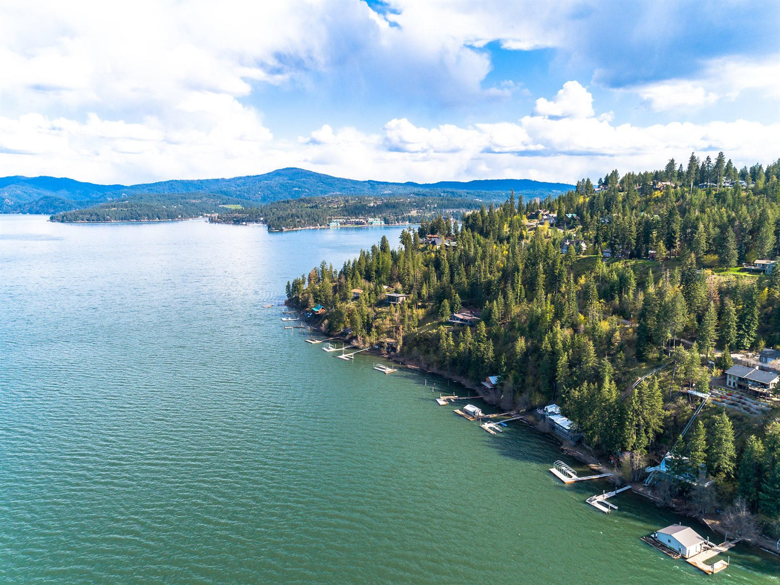 1083 West Steamboat Dr, Coeur d'Alene, ID 83814