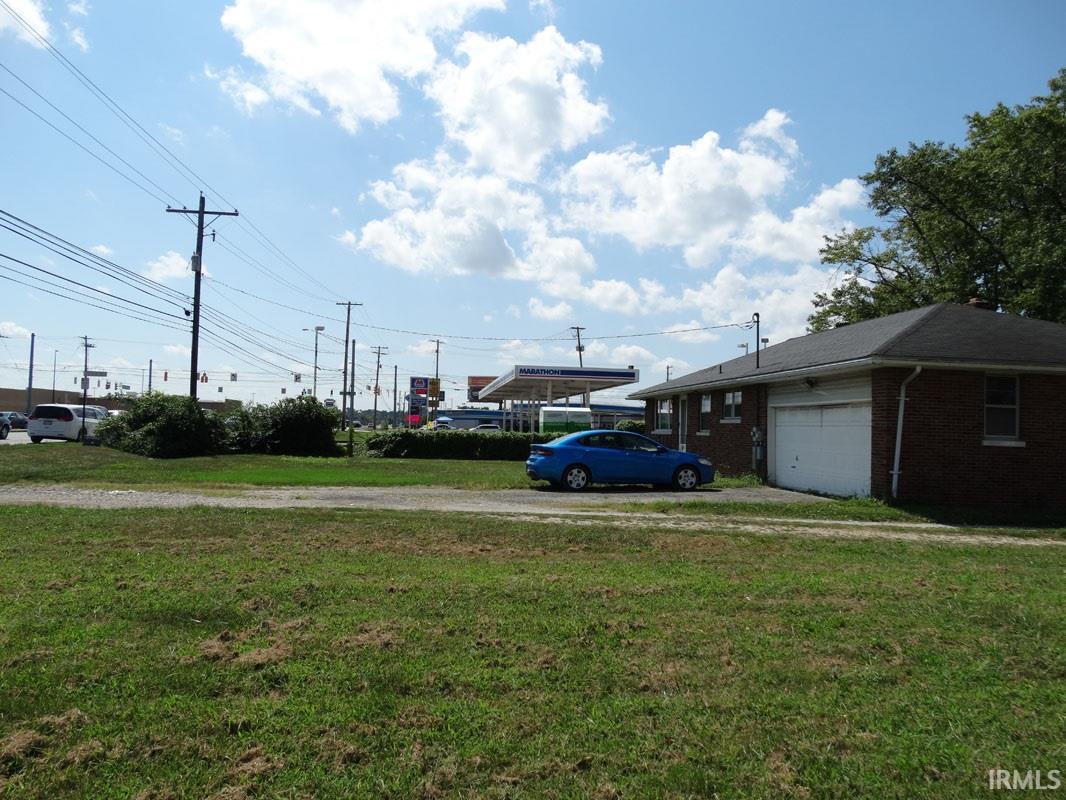 610 N Burkhardt Road, Evansville, IN 47715
