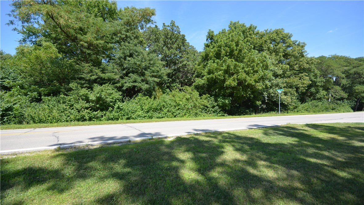 2617 Oakwood Road, Ames, IA 50014