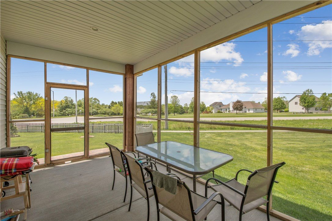 2855 Piccadilly Square, Ames, IA 50010