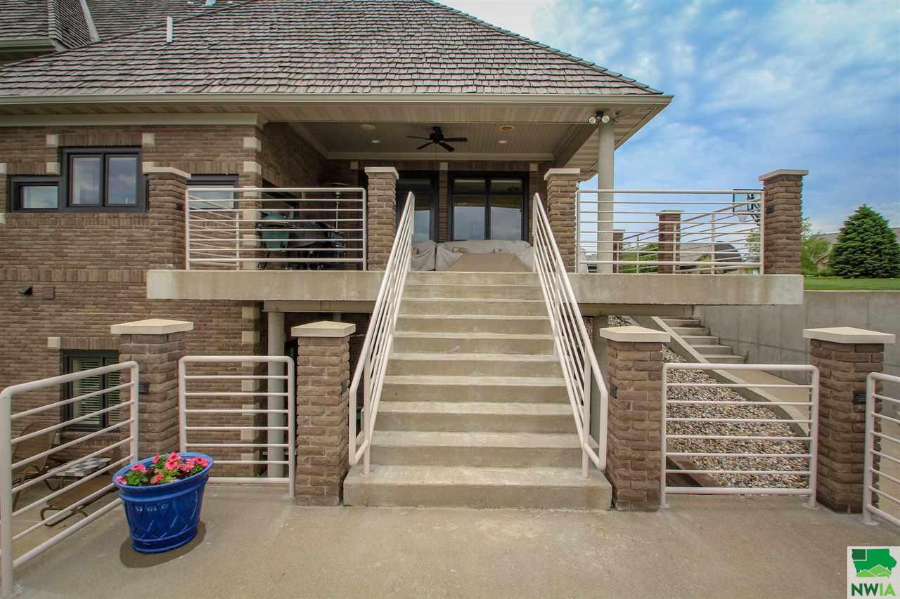 4501 Stoneridge Point, Sioux City, IA 51106