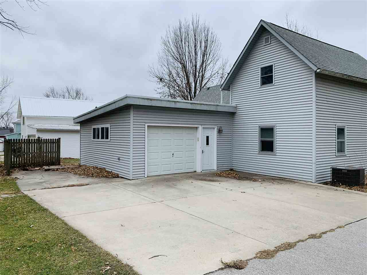 805 Chatham Street, Williamsburg, IA 52361