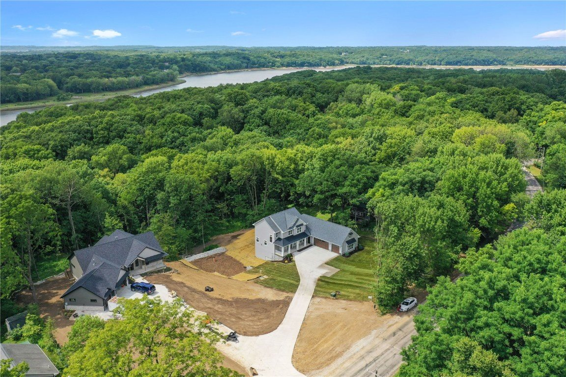 1995 Scales Bend Road, North Liberty, IA 52317