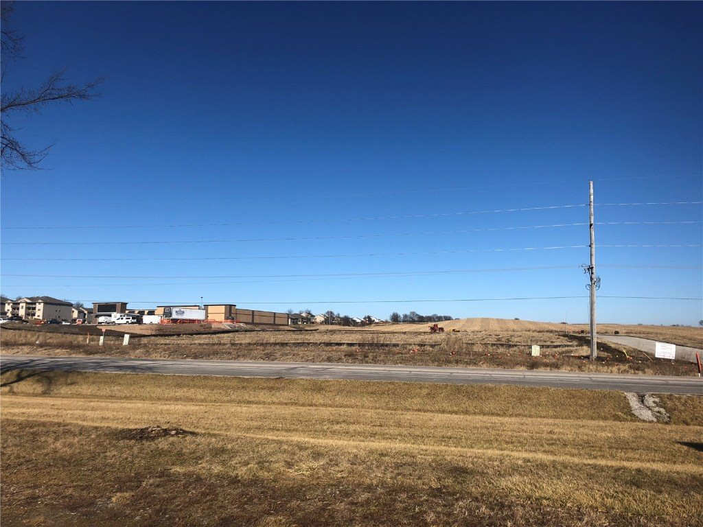 Lot 4 Prairie Village, Tiffin, IA 52340