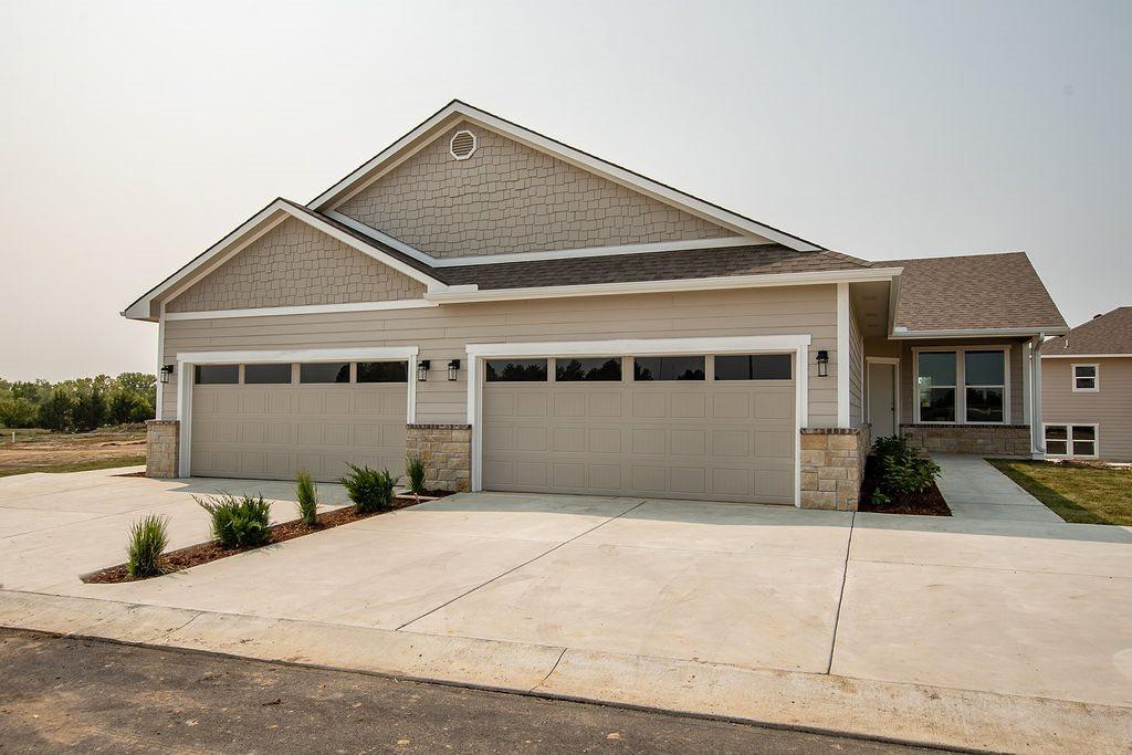 331 N 127th St E, Wichita, KS 67206