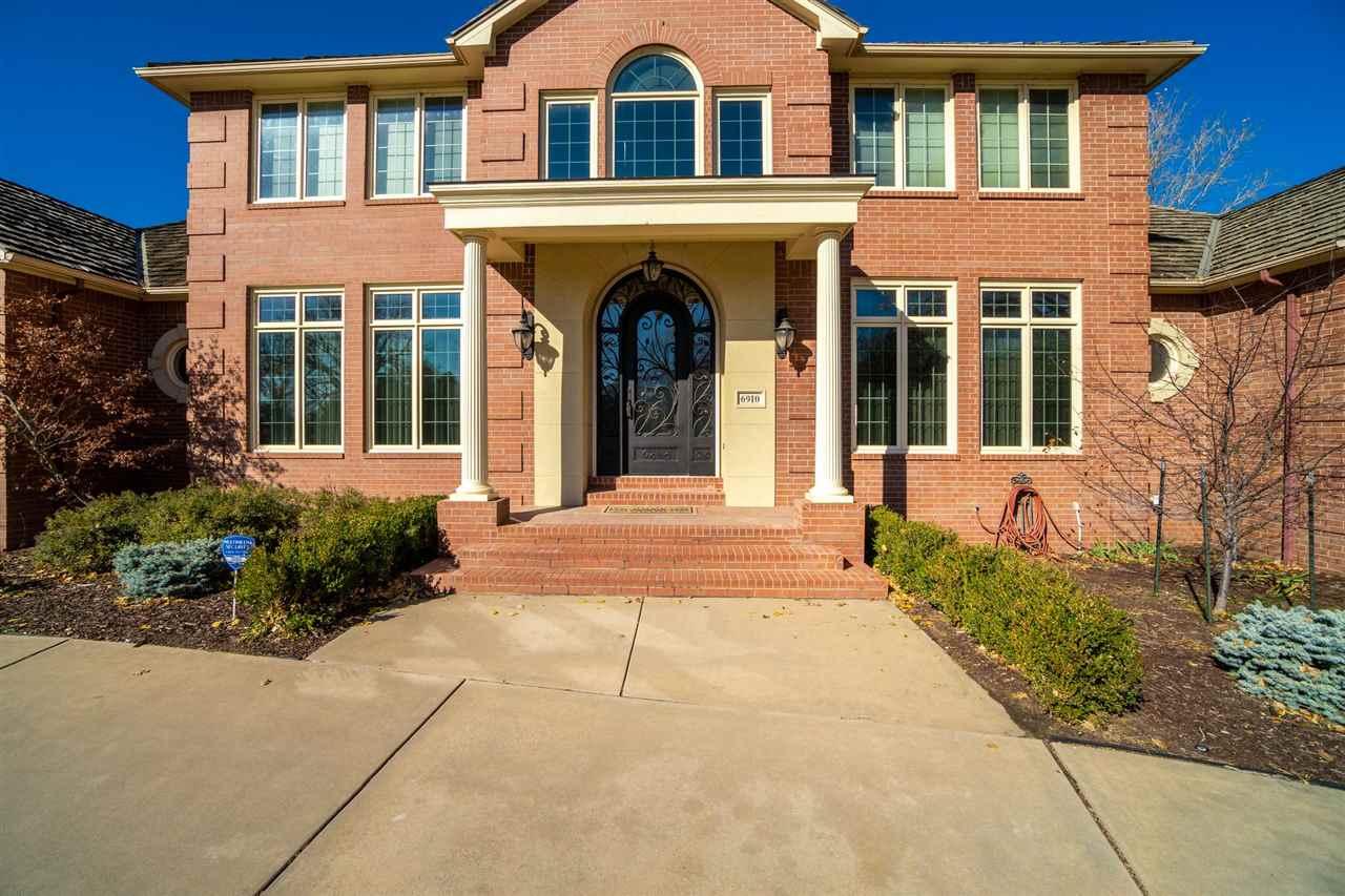6910 W Clearmeadow Cir, Wichita, KS 67205