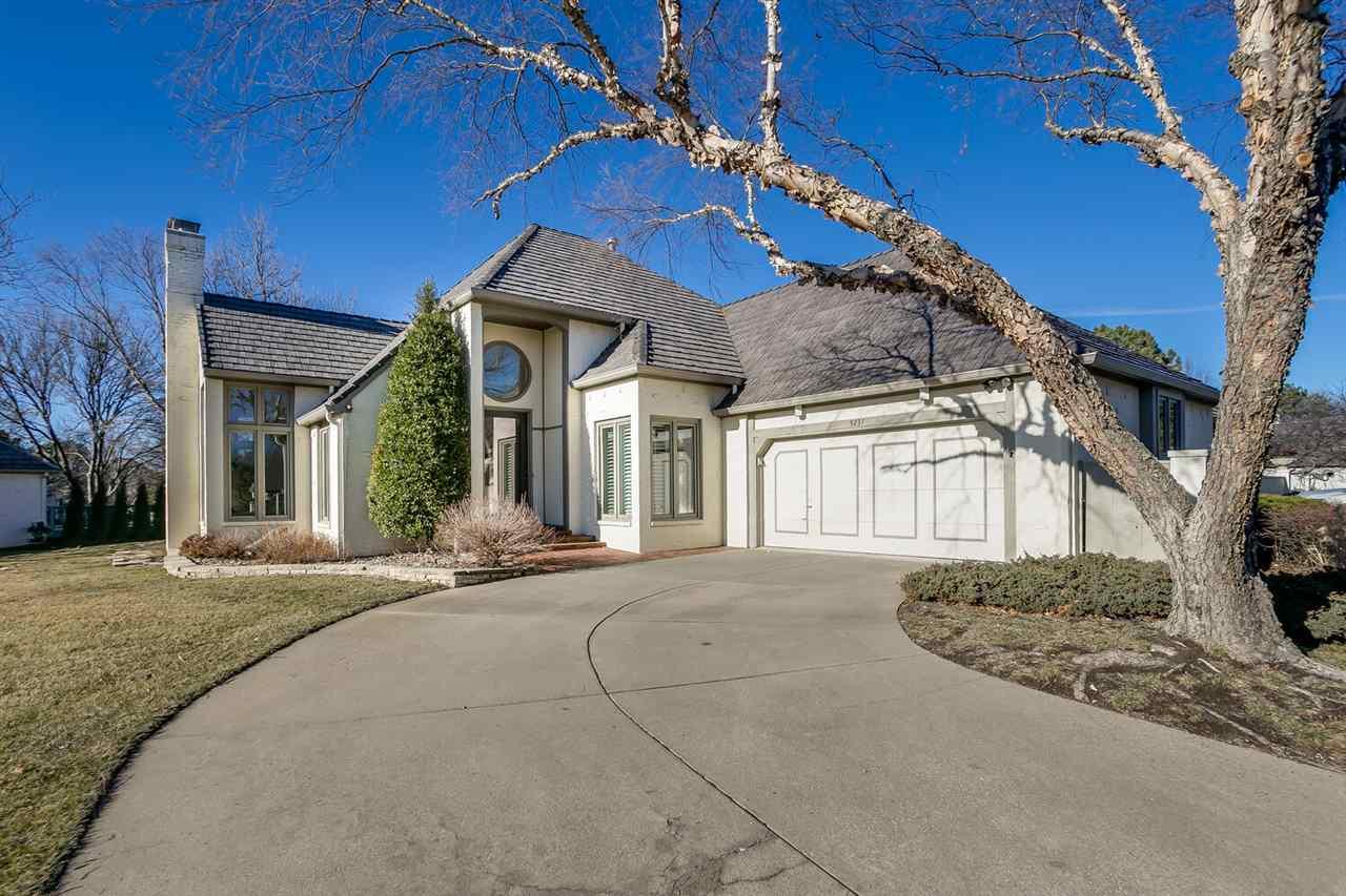 9237 E Lakepoint Dr, Wichita, KS 67226
