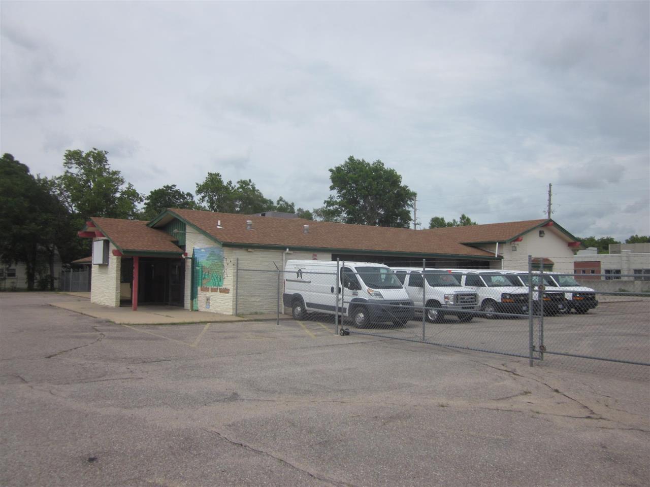 1930 S Oliver Ave, Wichita, KS 67218