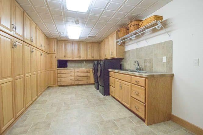 3553 W Bayview Ct, Wichita, KS 67204