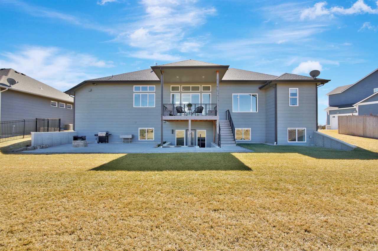 2913 N Curtis St, Wichita, KS 67205