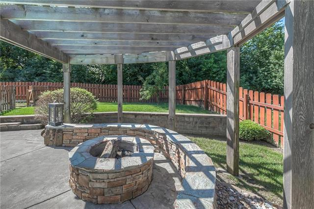 405 SE Farrier Drive, Lee's Summit, MO 64082