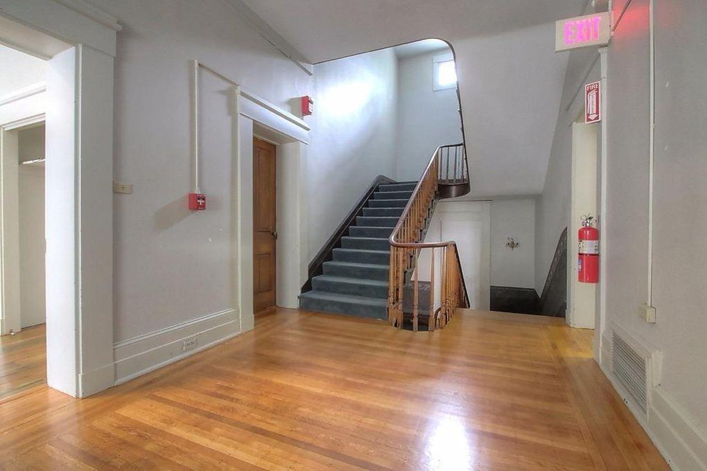 300 Washington Street, Frankfort, KY 40601