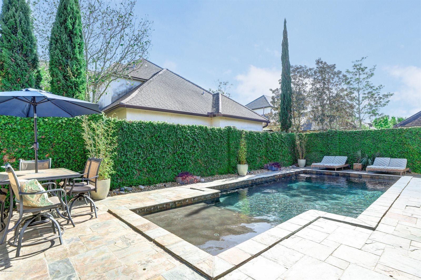103 Pinewoods Drive, Lafayette, LA 70508