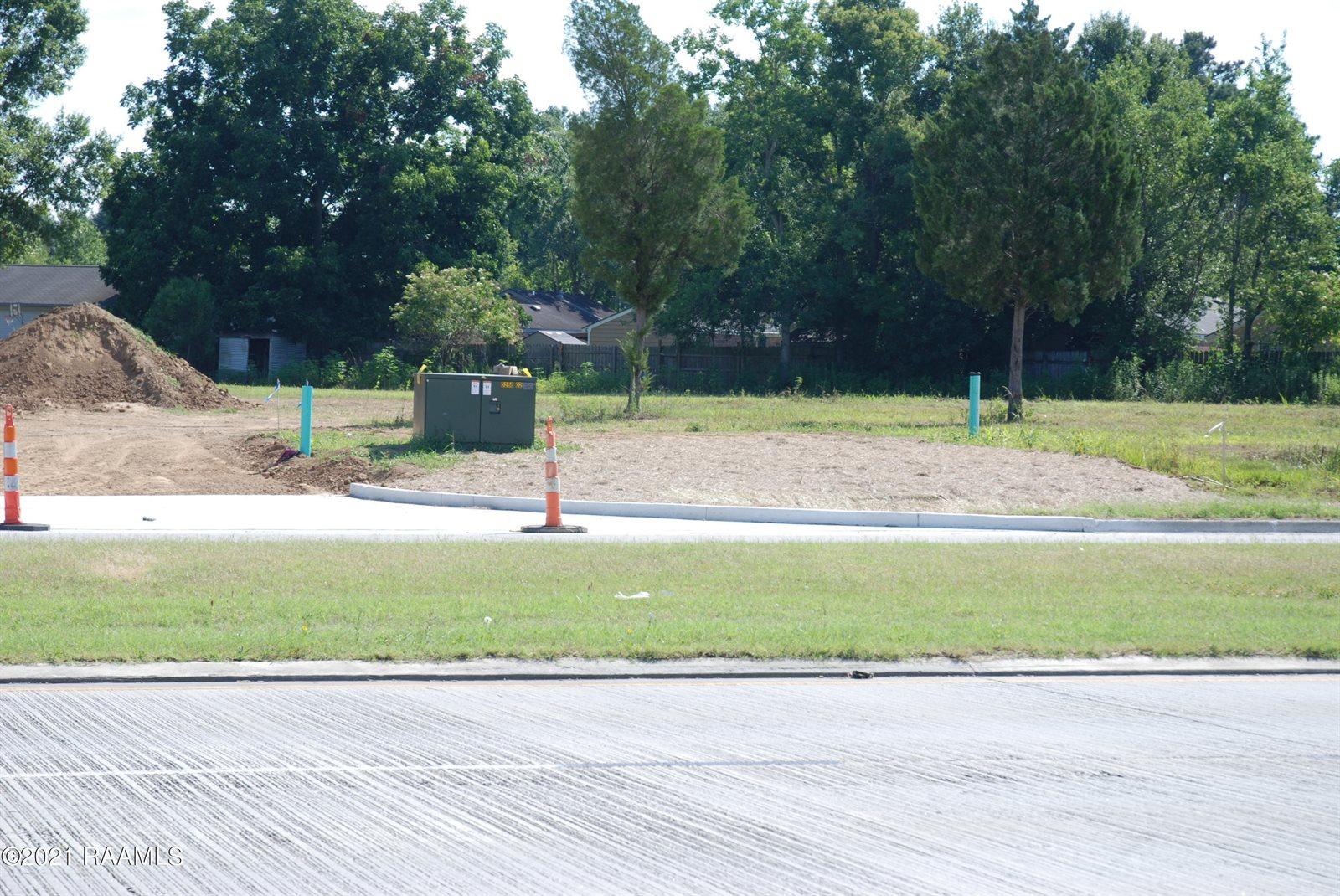 5521 Ambassador Caffery Parkway, Lafayette, LA 70508