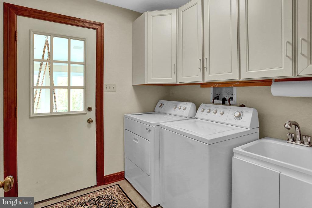 1712 Olmsted Way West, Camp Hill, PA 17011