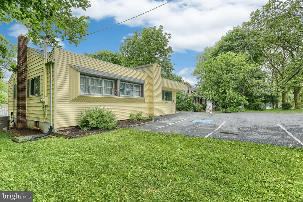 3617 Gettysburg Road, Camp Hill, PA 17011