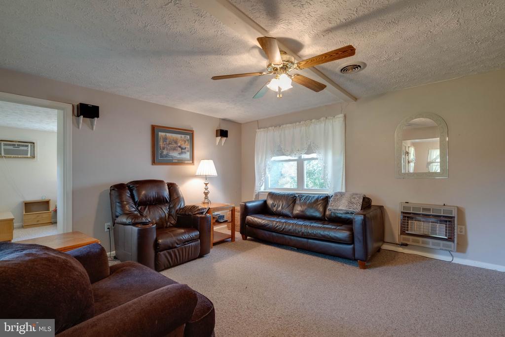 4541 Valley Pike, Winchester, VA 22602
