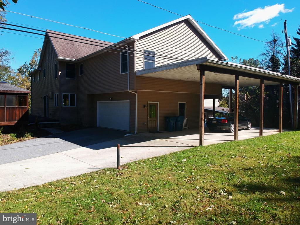 16 Stone Spring Lane, Camp Hill, PA 17011