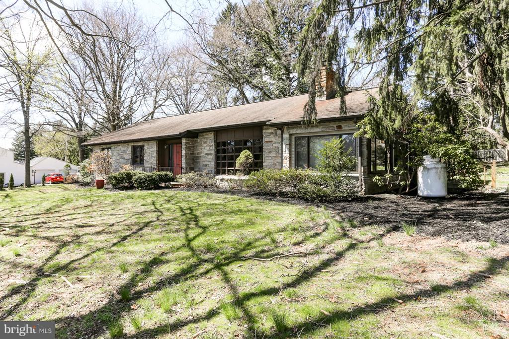 2958 Lincoln Street, Camp Hill, PA 17011