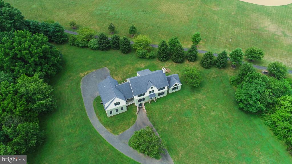 1398 Old Swede Road, Douglassville, PA 19518