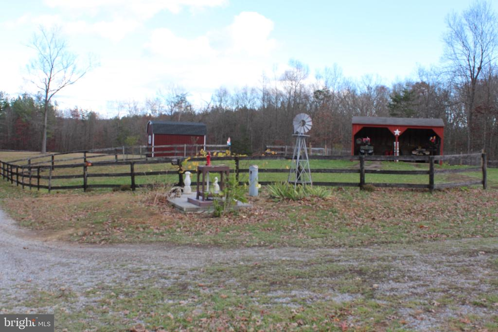 12 Cattle Crossing Rd, Front Royal, VA 22630