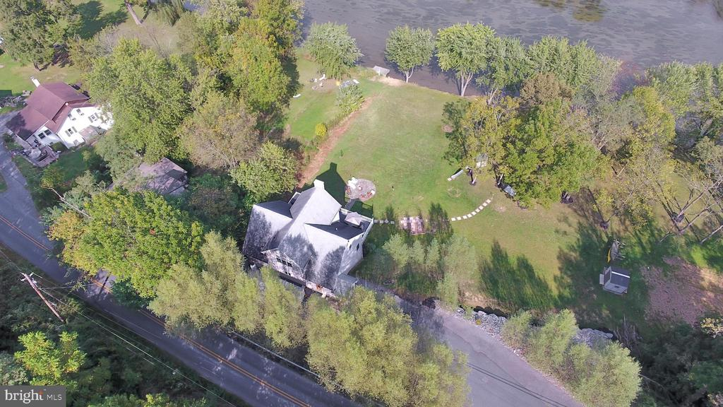 1027 Oyster Mill Road, Camp Hill, PA 17011