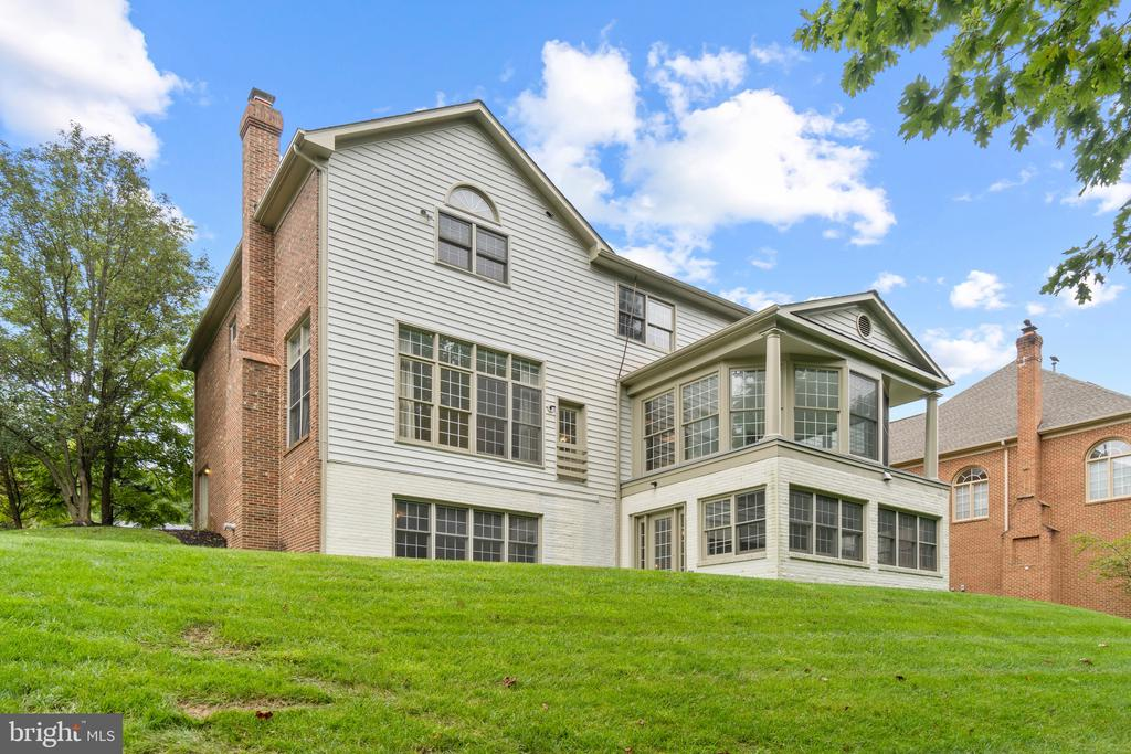 15604 Thistlebridge Drive, Rockville, MD 20853