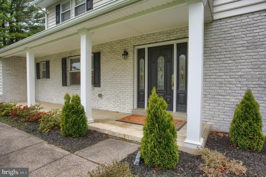 90 Foxcroft Drive, Camp Hill, PA 17011