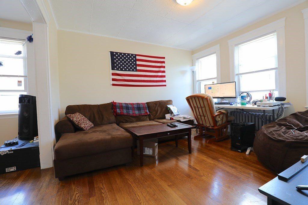 102 Nonantum St, Boston, MA 02135