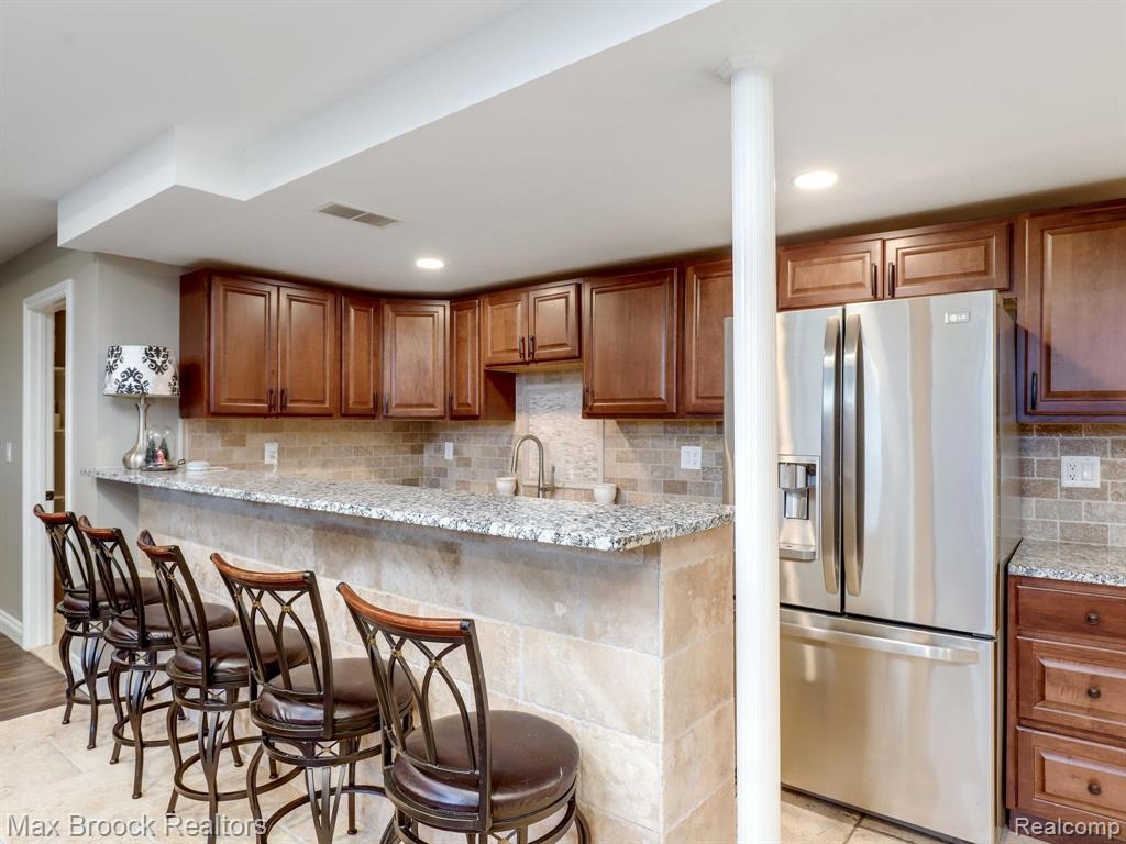 3717 South Livernois Road, Rochester Hills, MI 48307