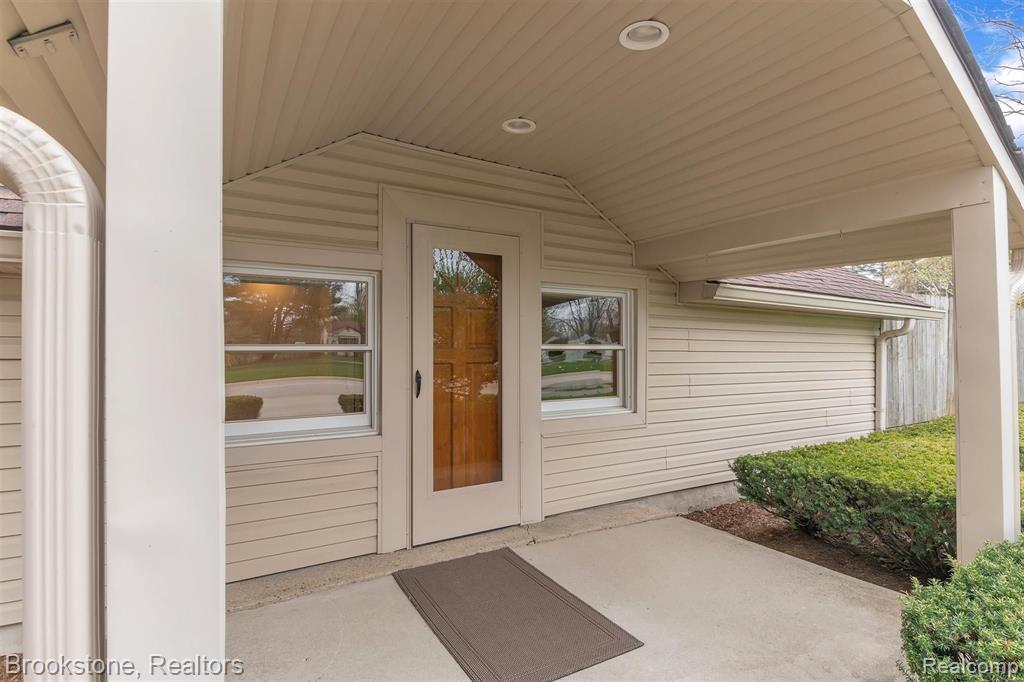 3681 Crooks Road, Rochester Hills, MI 48309