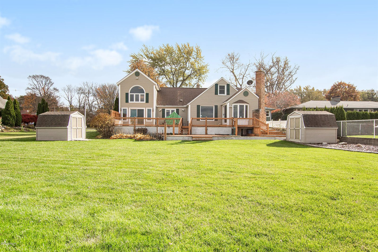 807 South Shore Drive, Holland, MI 49423