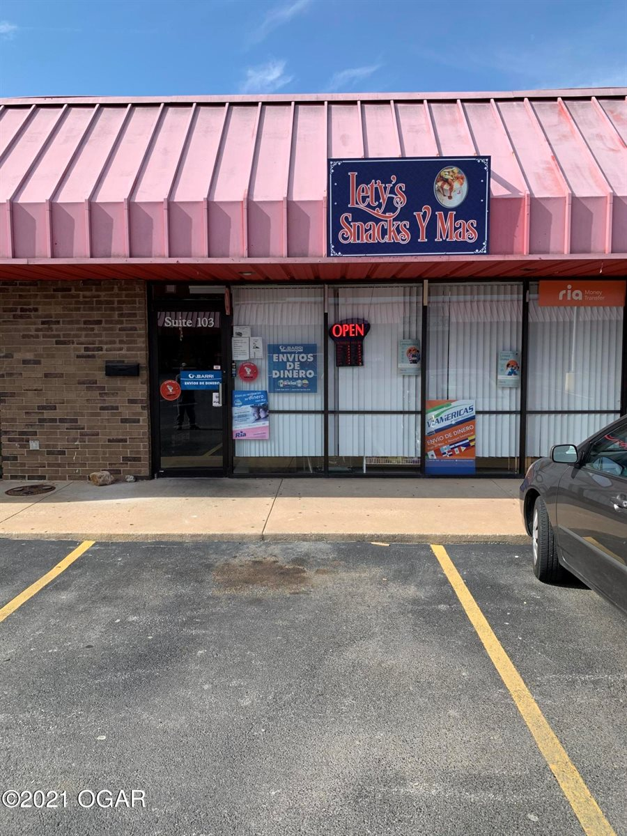 110, 116 North Rangeline Road, Joplin, MO 64801