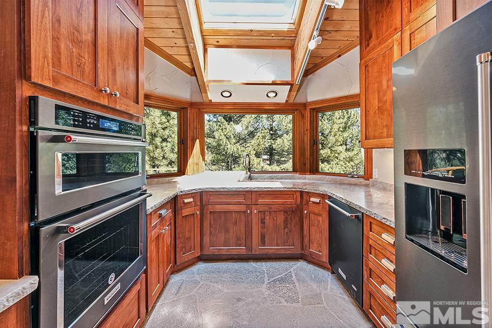 300 Blue Spruce Rd, Reno, NV 89511
