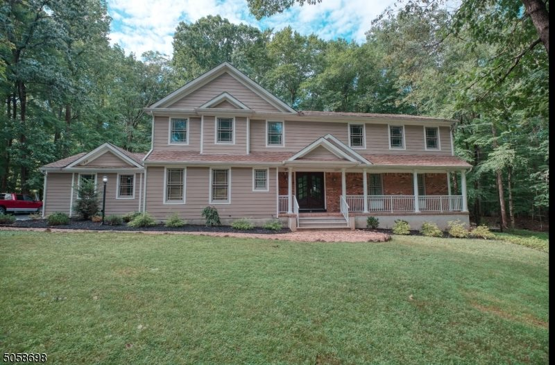 8 Angus Lane, Warren Township, NJ 07059