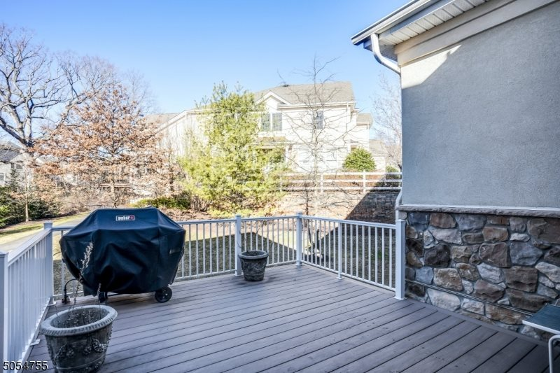 7 Lara Place, Warren Township, NJ 07059