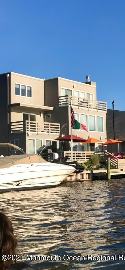12 Lagoon Drive East, Toms River, NJ 08753