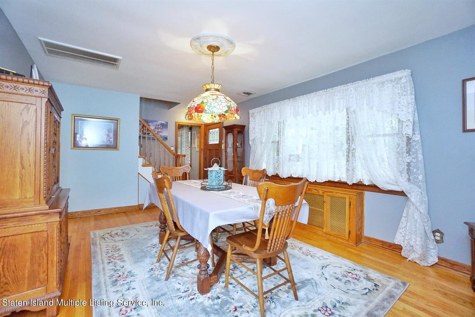 578 East Drumgoole Road, Staten Island, NY 10312