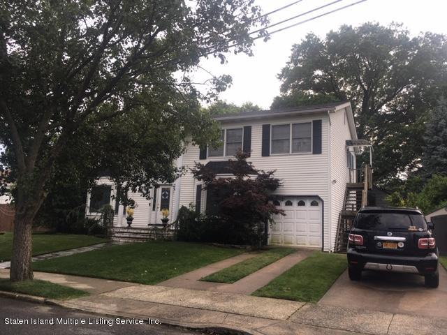 8 Parkwood Avenue, Staten Island, NY 10309