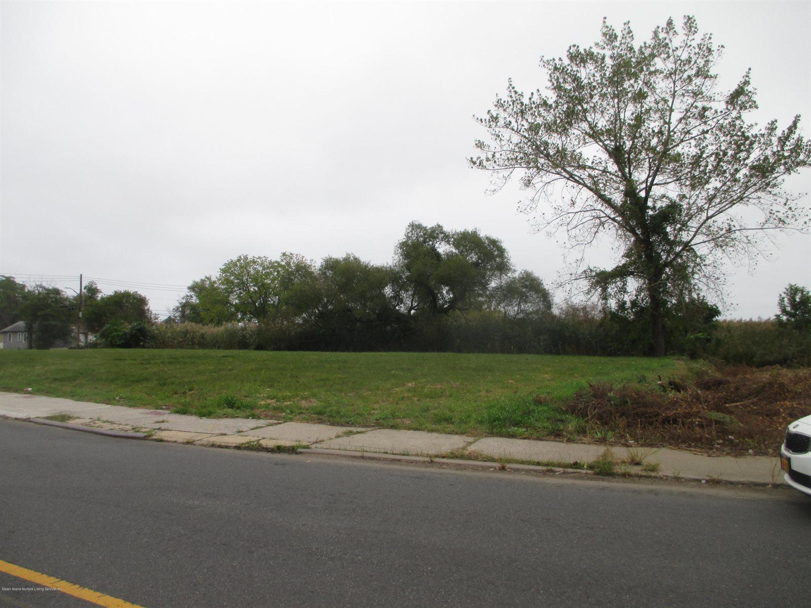 520 Mill Road, Staten Island, NY 10306