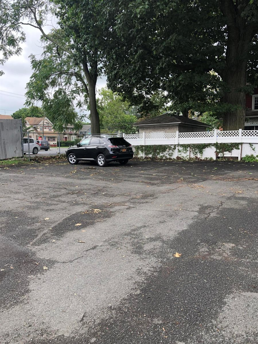 682 Forest Avenue, Staten Island, NY 10301