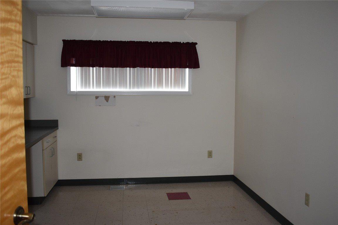 24 Madison Avenue, Endicott, NY 13760