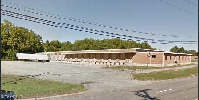 900-920 W FAIRFIELD Road, High Point NC 27263, High Point, NC 27263