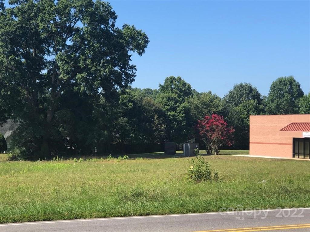 814 Oakridge Farm Highway, Mooresville, NC 28115