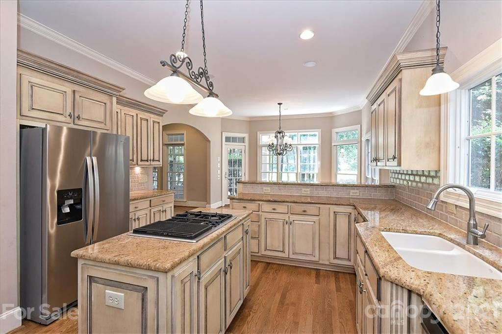 108 Great Point Drive, Mooresville, NC 28117