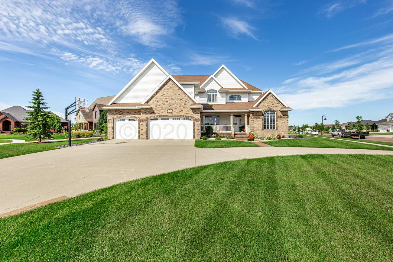 4192 Osgood Parkway South, Fargo, ND 58104