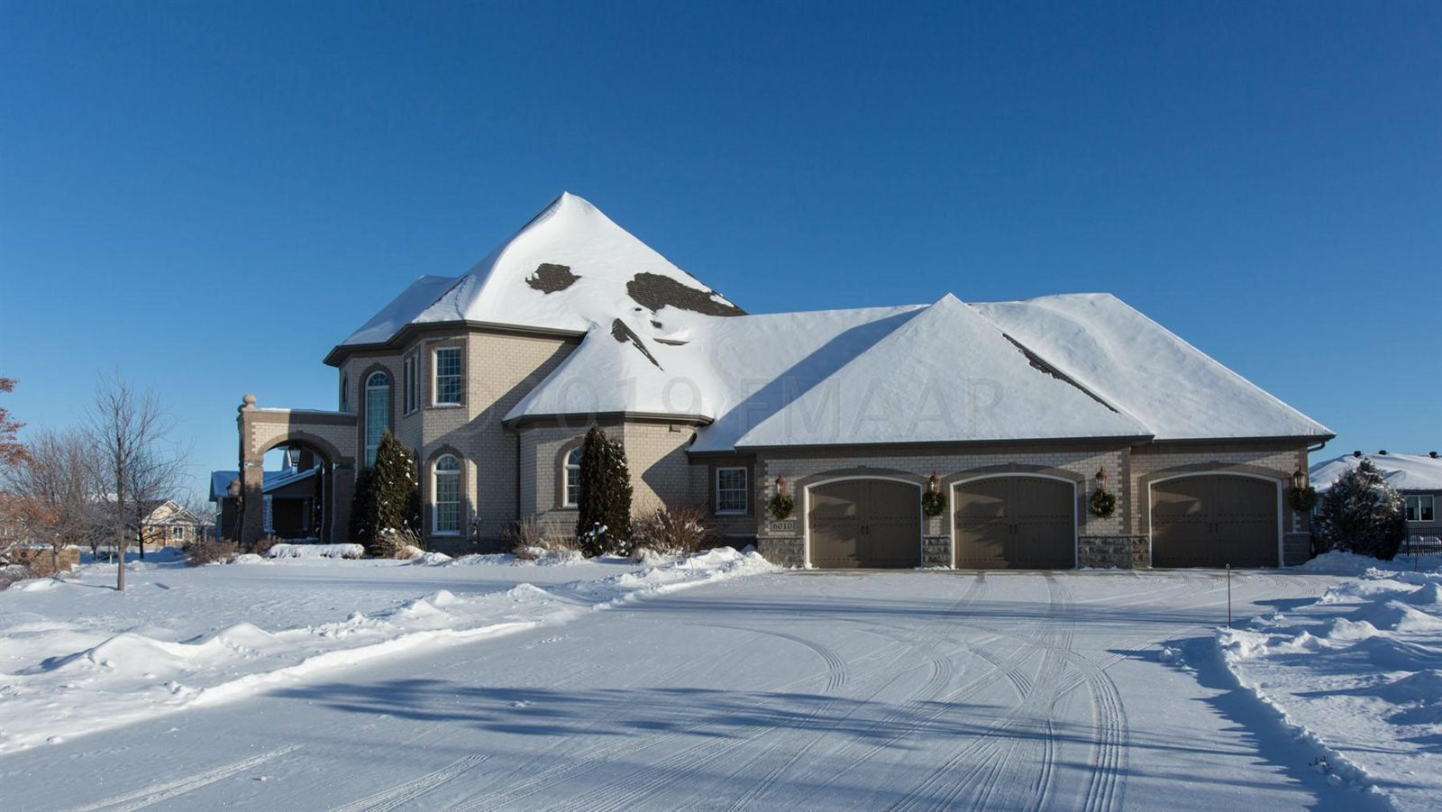 6010 Silverleaf Drive South, Fargo, ND 58104
