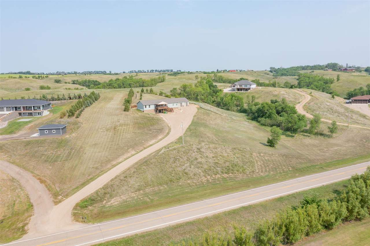 8442 County Road 15 W, Minot, ND 58703
