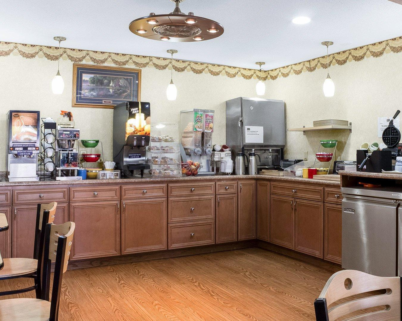 900 43RD ST North, Grand Forks, ND 58203