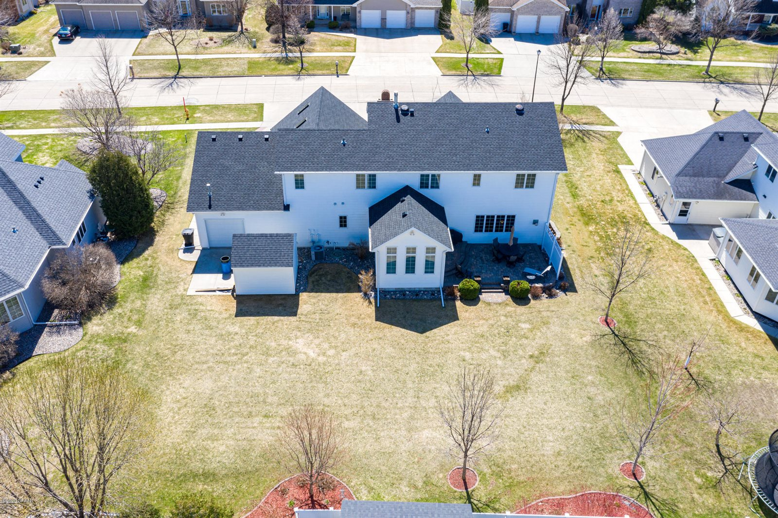 104 Rivers Edge Dr, Grand Forks, ND 58201